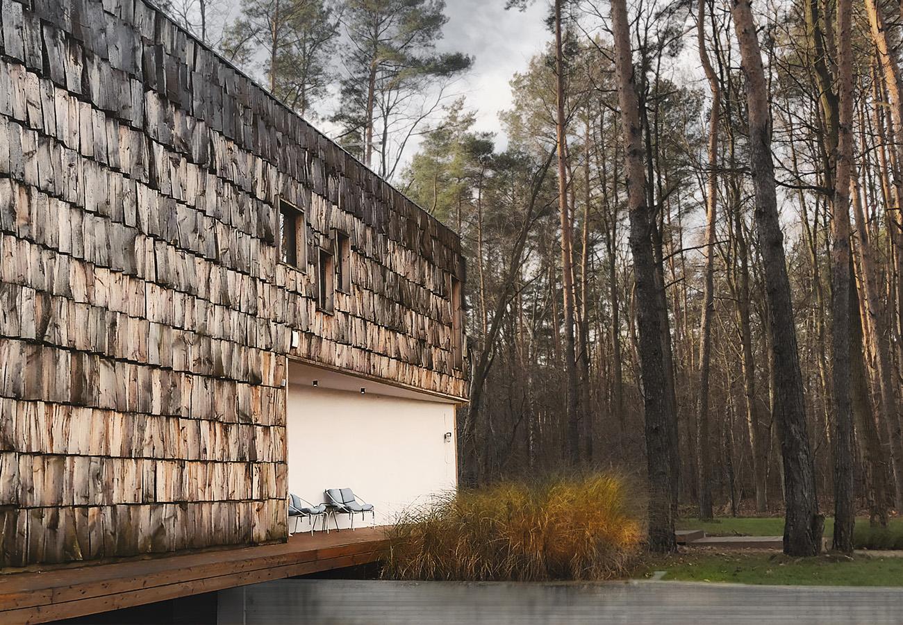 Projekt-domu-jednorodzinnego-z-drewniana-elewacja_04