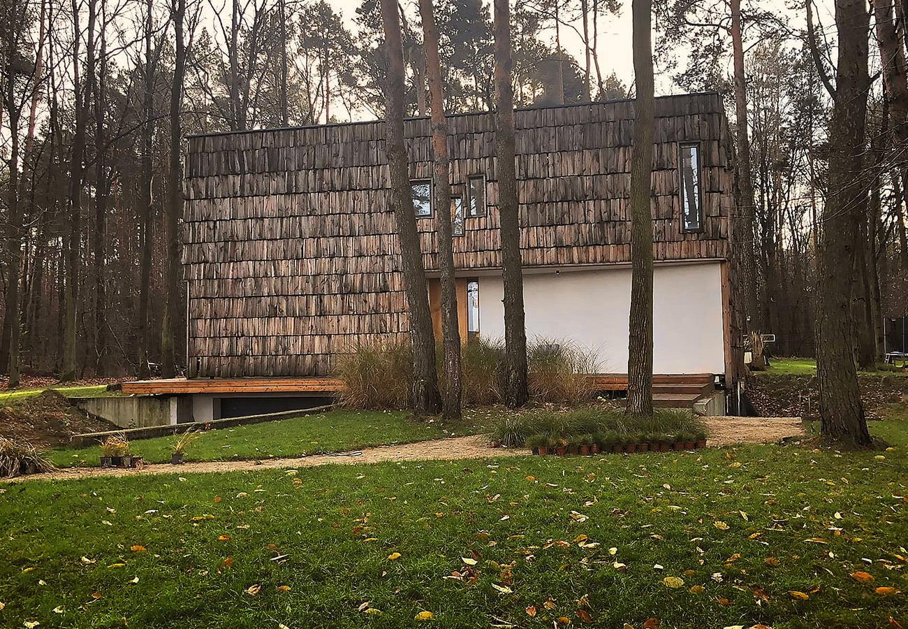Projekt-domu-jednorodzinnego-z-drewniana-elewacja_05